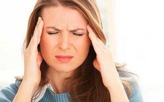 По какой причине каждый день болит голова? Регулярно болит голова у девушки